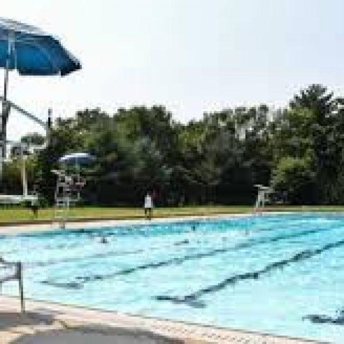 أمراض خطرة قد تنجم عن السباحة